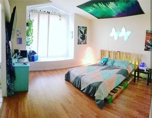 Blue Dream room! (rustic/vibrant)