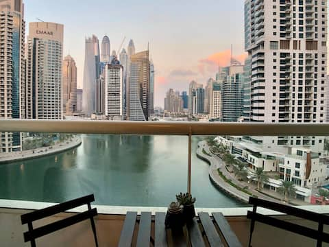 Cosy 1 bedroom apartment with amazing Marina View.