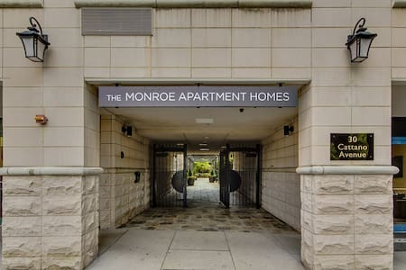 The apartment is simple and functional. Located on the Morristown Green, it is a great location to stay if you are looking to visit and experience what Morristown has to offer. There is a scenic courtyard with grills and small gym for exercise.