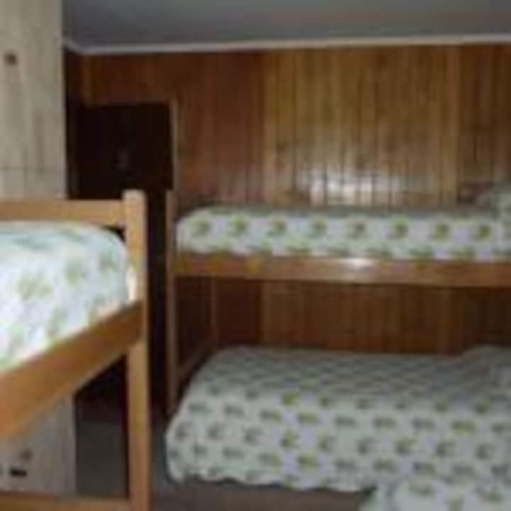 Dormitorio# 1, Mixto, Compartida, 5 camas.