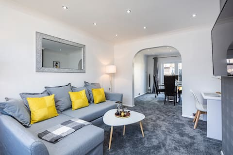 Luxury 3 Bedroom House in Aveley, Thurrock.