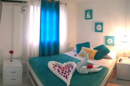 Colorful Garden House (Room 2)