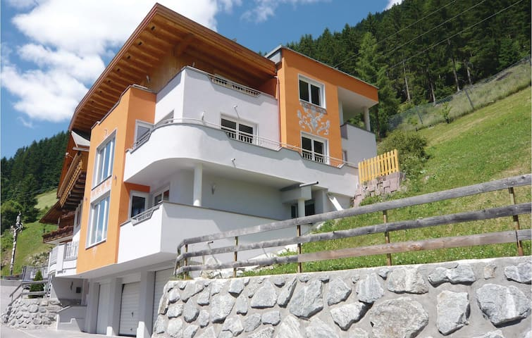 Holiday apartment with 1 bedroom on 45 m² in Kappl