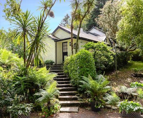 Caretakers Cottage at Glashnacree House & Gardens