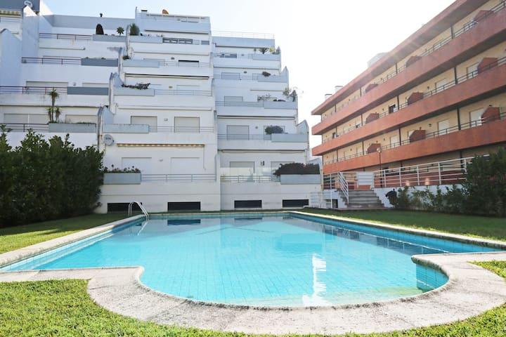 Entire Flat-terrace swim. pool. NEW internet unlim