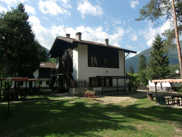 Appartamento a soli 100m dal lago - Ledro - Lägenhet