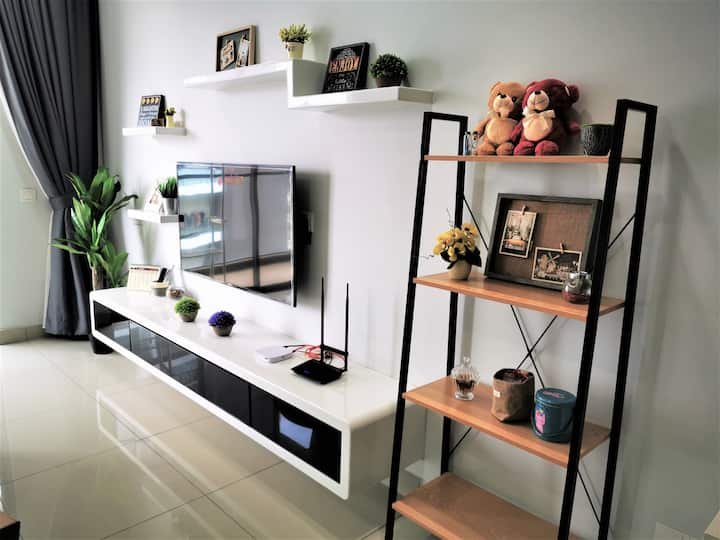 1 - 6 Pax Urban Style Cozy Homestay