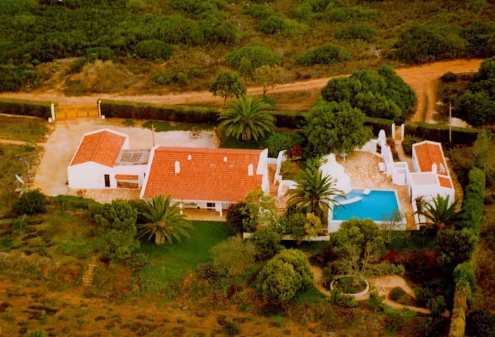 Quinta Rosa - Secluded Farmhouse with Pool - Barão de São João - Bed & Breakfast