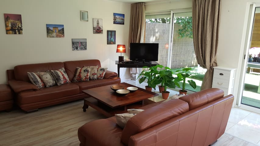 Charming and cozy 100m² apartment close to Disney - Ozoir-la-Ferrière - Byt