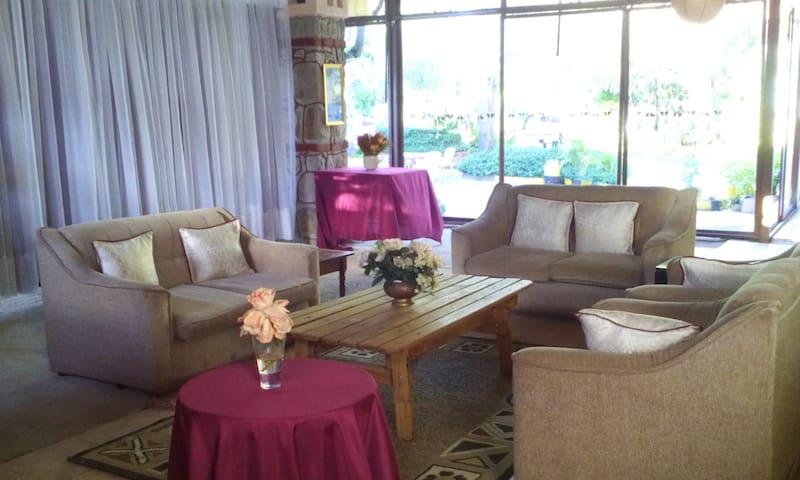 Lalani Holiday Villa