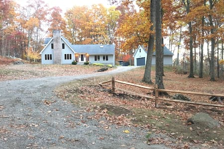 Private Country Retreat in Lovely Lakeville CT