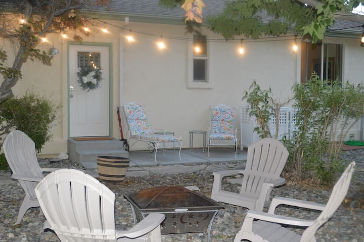Palisade Beach House Separate entrance Guest Suite
