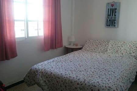 Modest Double Room in Friendly Flat - Tarifa