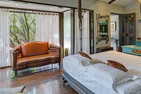Beautiful family getaway suite in Mahabaleshwar