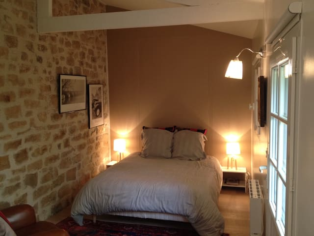 Lovely bedroom close castle