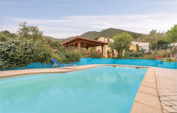 Holiday cottage with 3 bedrooms on 90m² in Orgosolo