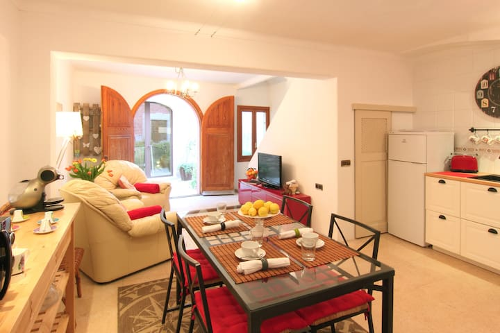 Townhouse in the heart of Alcudia - 阿爾庫迪亞 - 獨棟