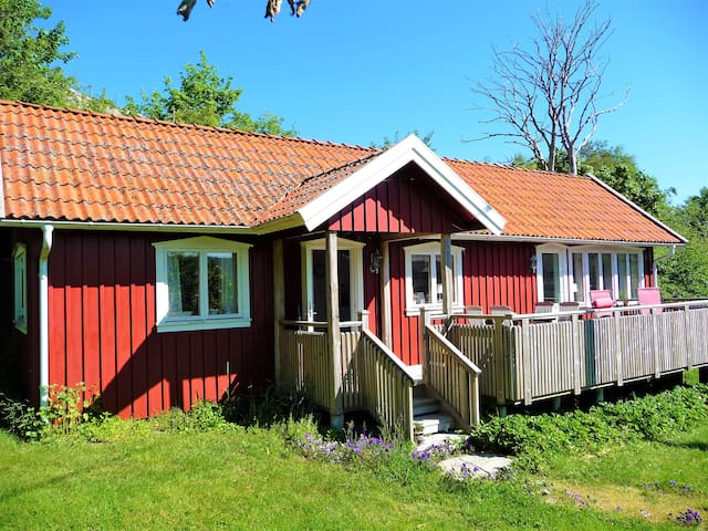 Nice cottage at Tjörn in the archipelago