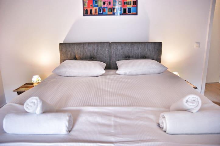 Spacious Penthouse 2bedroom Flat - Bruxelles - Lakás