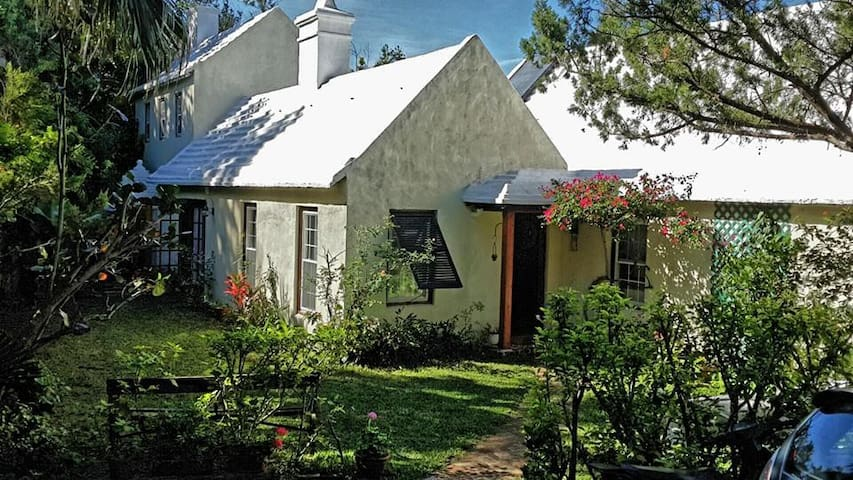 Welcome to our House! Built in the 1990s, but designed to 18th Century Bermudian farmhouse lines.