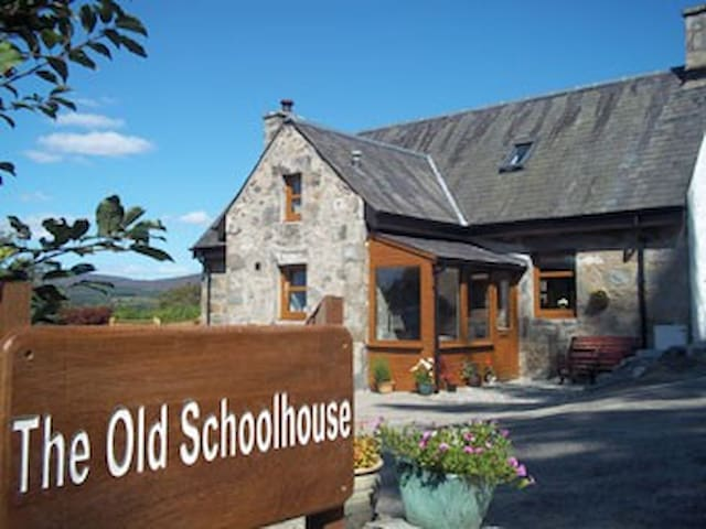 The Old Schoolhouse - Kingussie - Casa