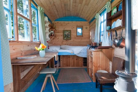 Snug and beautiful Shepherds hut