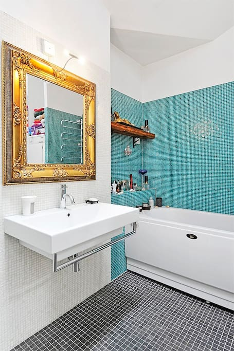Bathroom is like a dream. Separate shower.