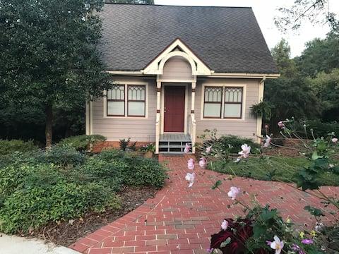 Aspen Street Guesthouse Cottage