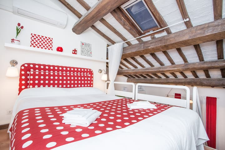 LOVELY APARTMENT-PIAZZA TRILUSSA