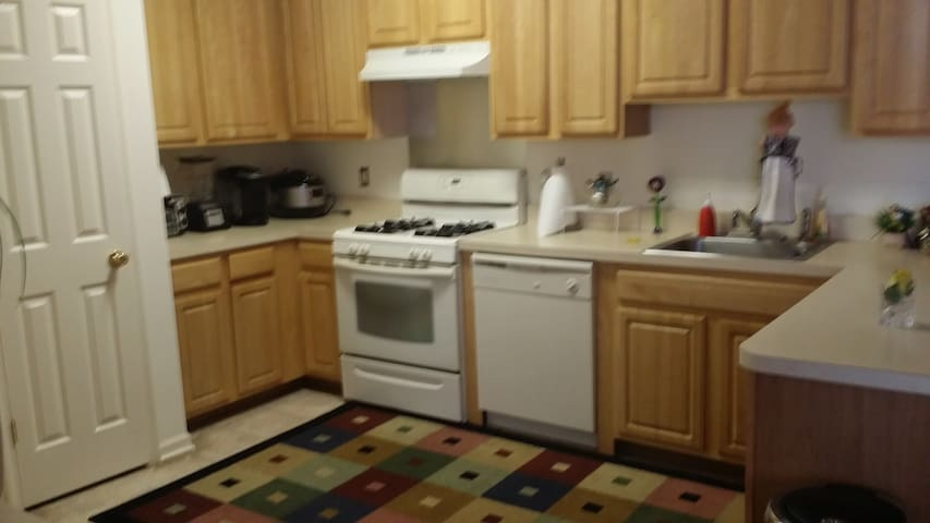 1 br offered from a 2 br apartment - Middletown - Pis