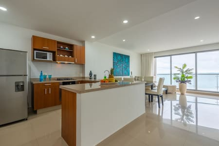Quality apartment on the Caribbean Sea. 3 BR.