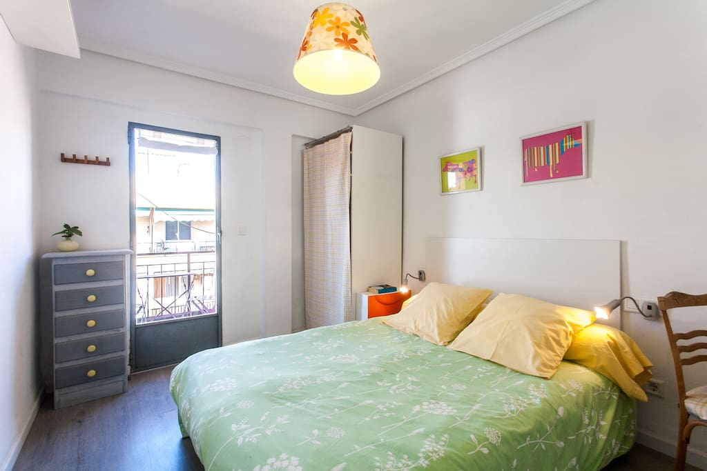 Double bedroom with access to balcony