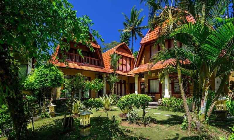 6 BR Stunning Private Pool Villa + Kitchen @Ubud