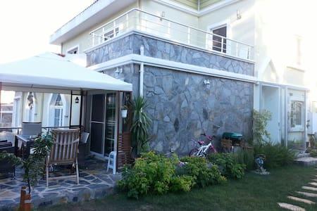 4 Bedroom Family Villa Sariyer - sarıyer istanbul