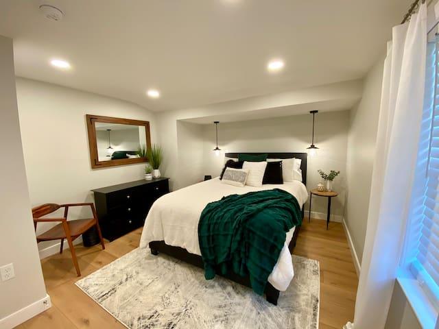 Queen bed, ground floor, back bedroom