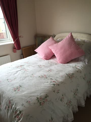 Lovely Double room - Newton Aycliffe