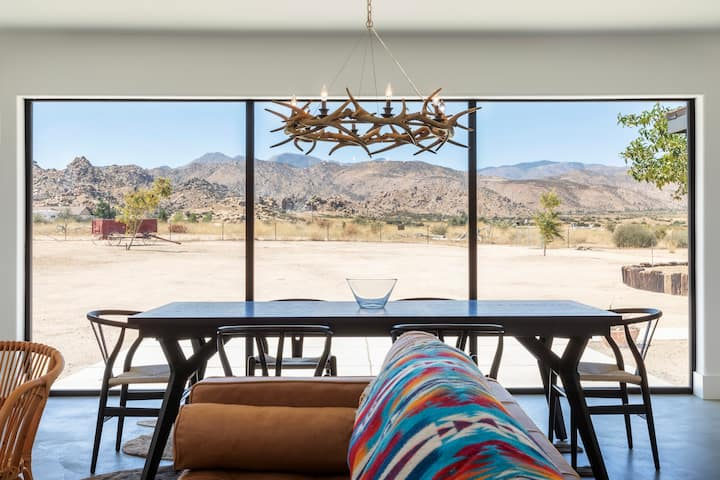Pioneertown Lodge - Modern Comforts & Desert Views