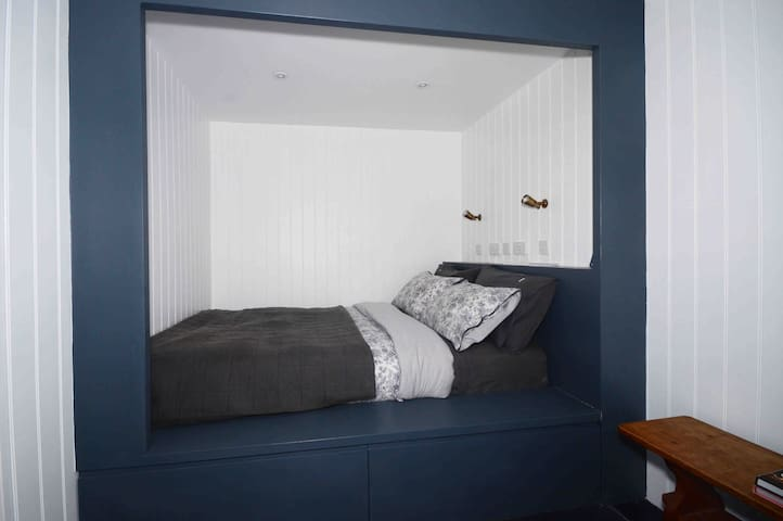 King size box bed.