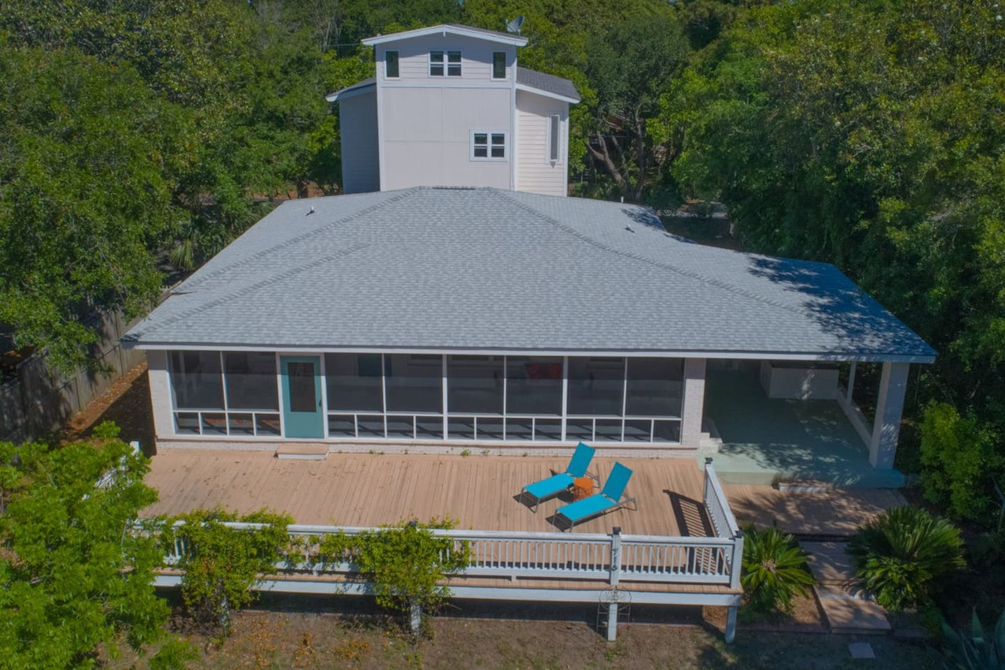 View of the sun deck in front of this great Folly Beach rental