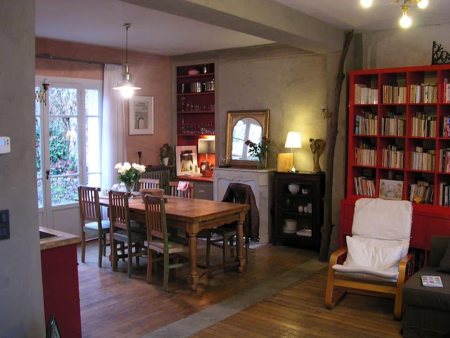Maison d 39 artiste avec jardin paris intra muros maisons for Salon de jardin ile de france