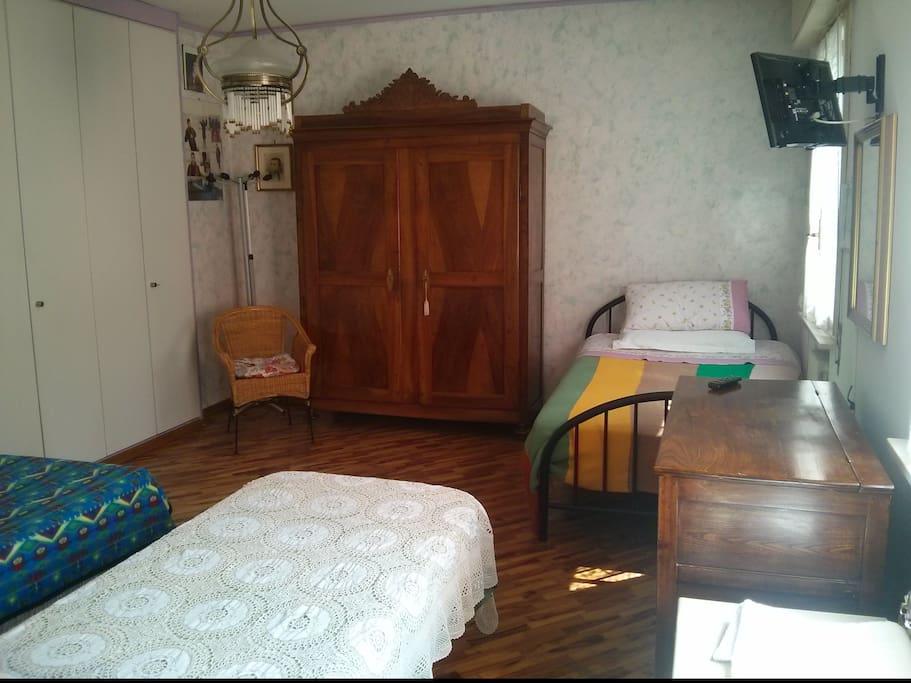 Camera primo piano composta da bagno privato