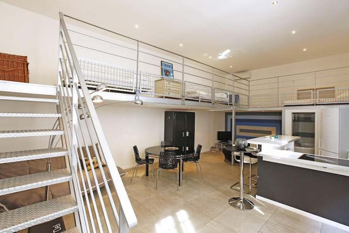 Design loft in the Port of Nice