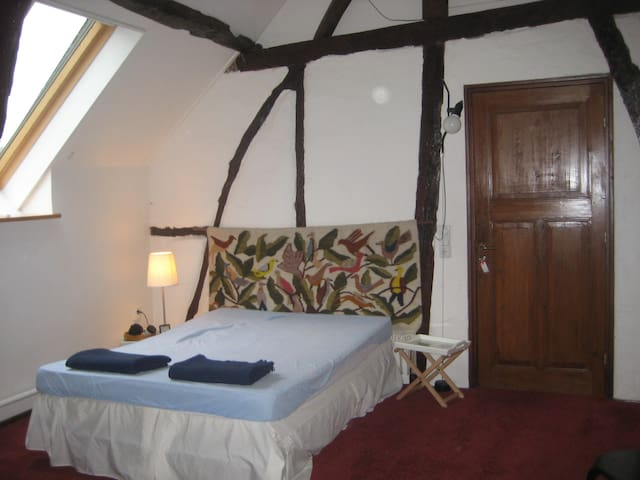 IDEAL FOR CYCLING/WALKING VISITORS  2nd room - Banholt - Szoba reggelivel