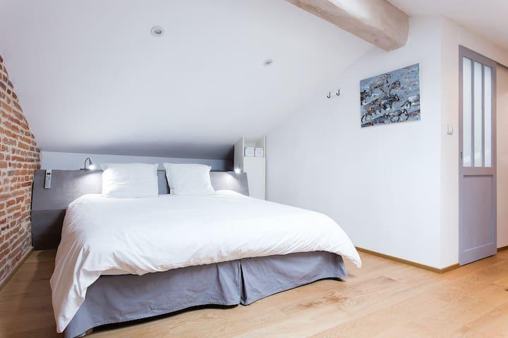 Chambre : le lit en 180 peut se dédoubler en 2X90cm sur demande