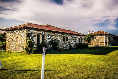 Built-stone guesthouses in Farm - Chalkidiki