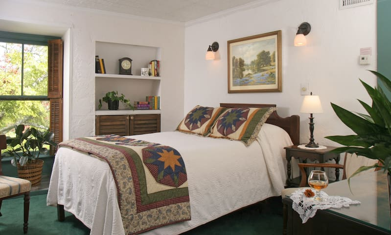 Historic 1791 B&B Downtown w/Pool  - Saint Augustine - Bed & Breakfast