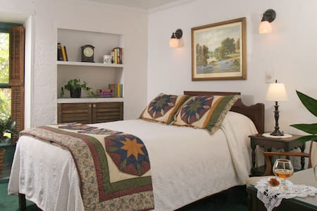 Historic 1791 B&B Downtown w/Pool  - Saint Augustine - Bed & Breakfast
