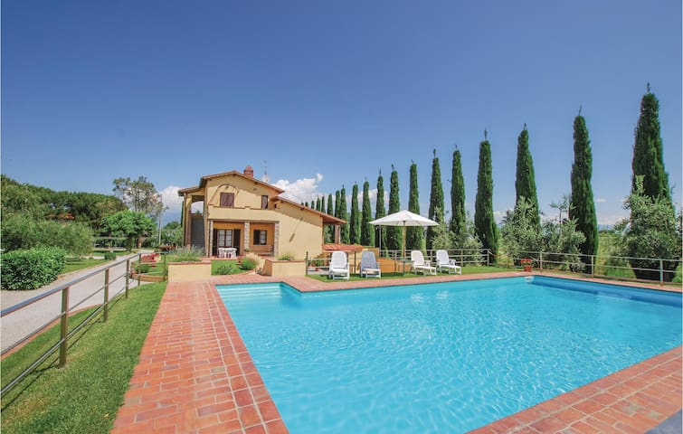Holiday apartment with 1 bedroom on 50m² in Laterina