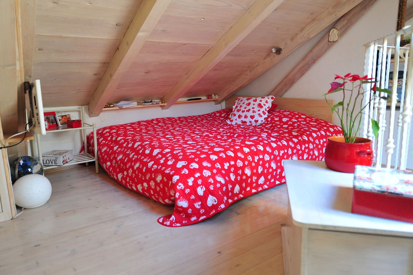 Double bed on the gallery.