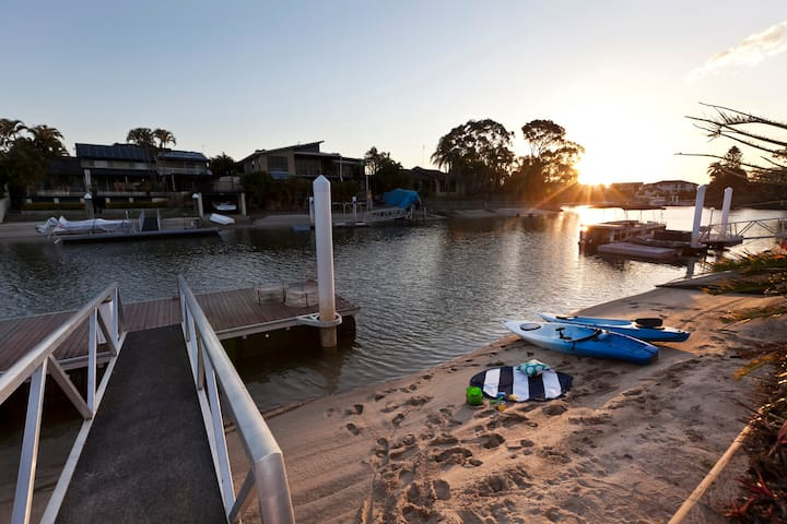 Boats, Beach and Barbecue - Waterfront family fun
